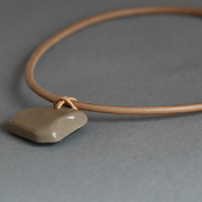 Collier Manami Taupe